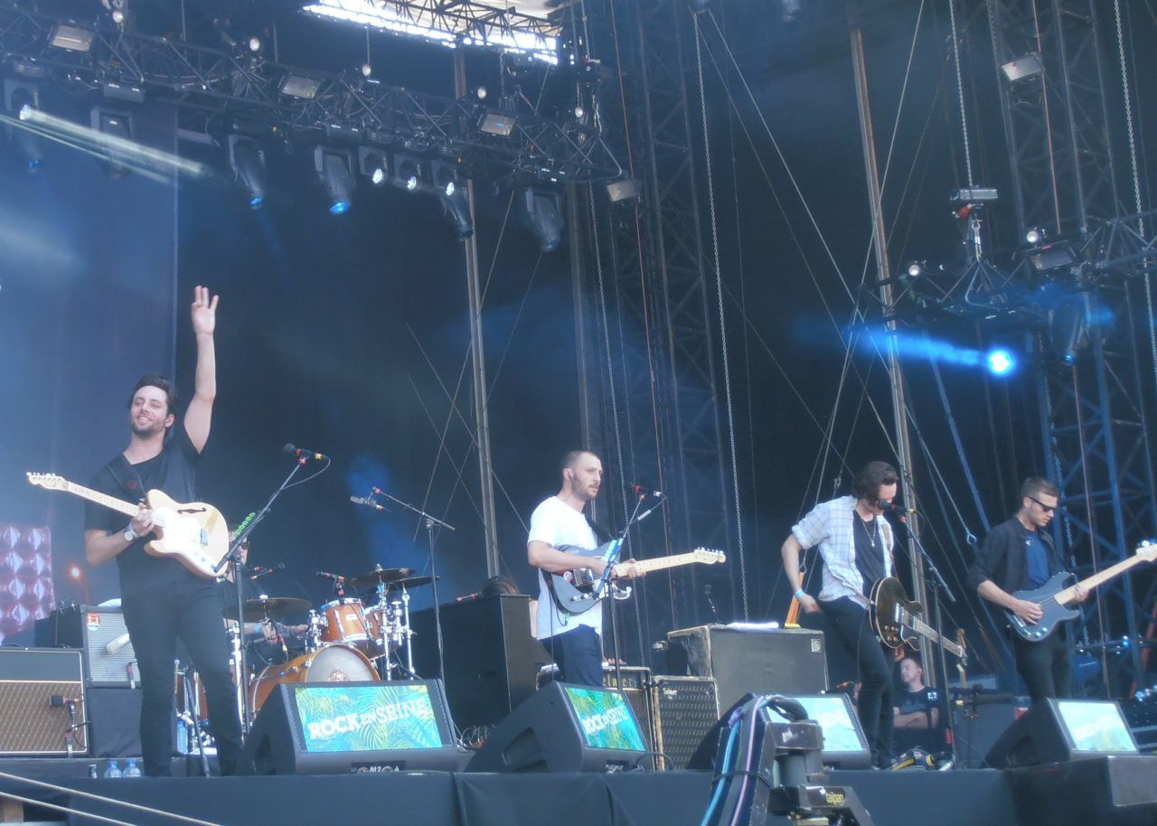 Maccabees live
